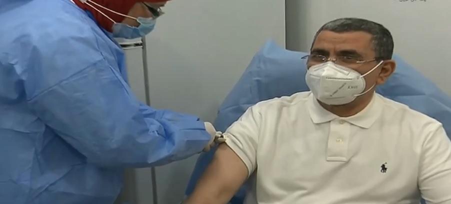 Covid-19 : Djerad s'est fait vacciner - Algérie