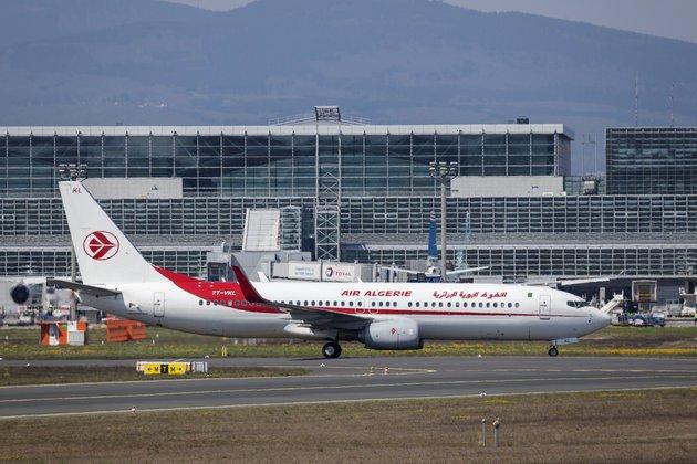 Plusieurs vols de rapatriement suspendus à cause de la nouvelle souche du coronavirus - Algérie