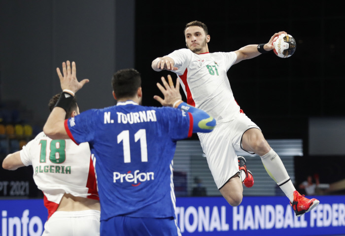 CM Hand : Algérie (26-29) France - Algérie
