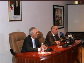 M. Mohamed Bacha prend ses fonctions à la tête du ministère de l'Industrie - Algérie