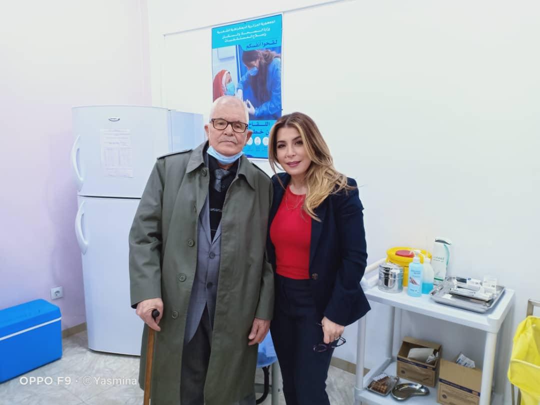 Vaccination Anti Covid Salima Souakri montre la voie - Algérie