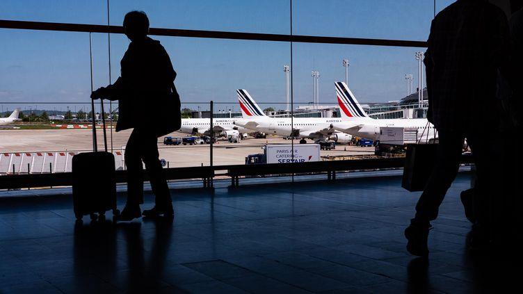 Algériens bloqués à l'aéroport Charles de Gaulle (Paris): L'ambassade d'Algérie en France s'explique - Algérie