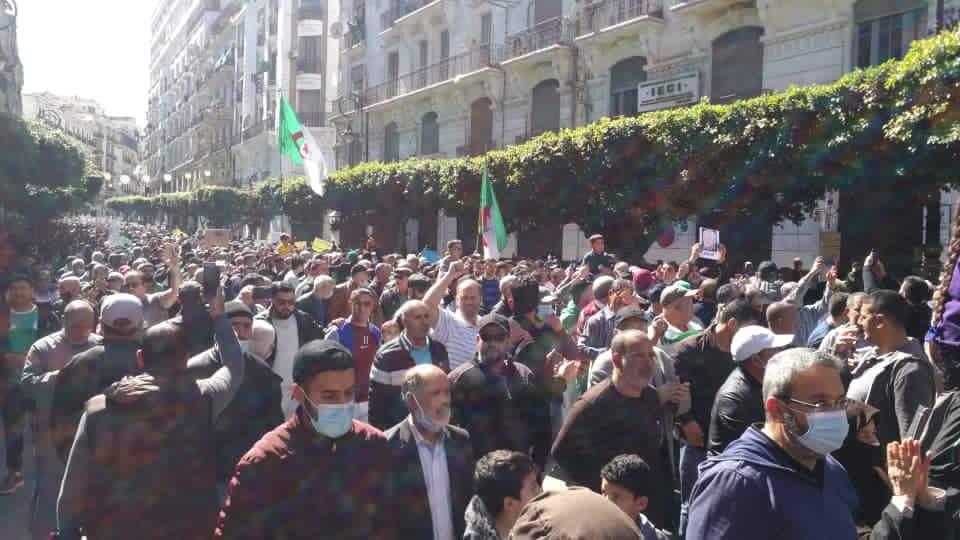 Marche du Hirak à Alger : des journalistes agressés par des «baltaguis» - Algérie