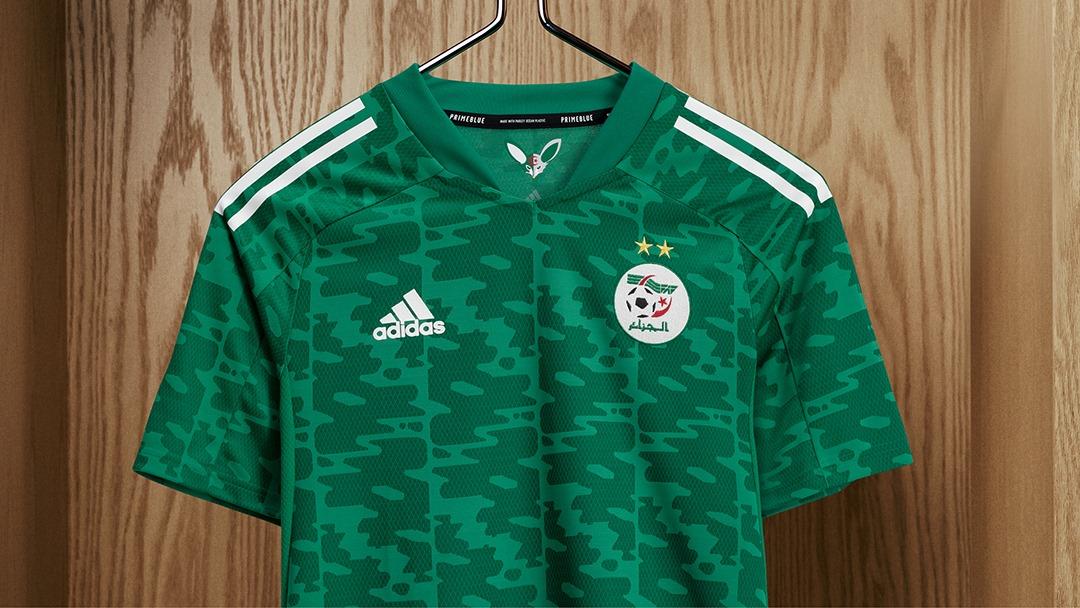La FAF dévoile le nouveau maillot extérieur des Verts - Algérie