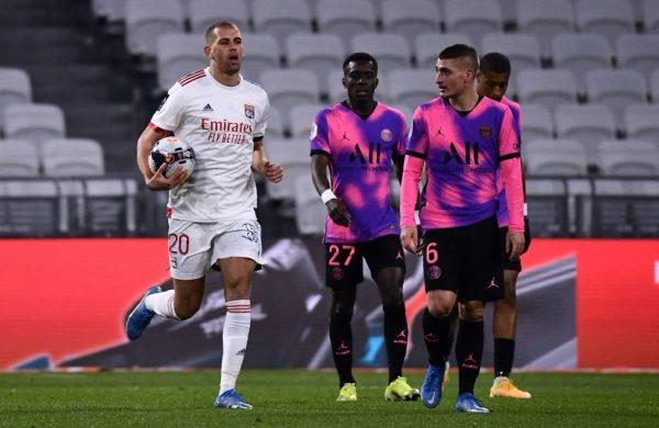 ALG : Premier but de Slimani avec l'OL - Algérie