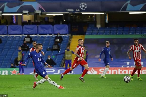 Chelsea se qualifie pour les quarts avec un but du revenant Hakim Ziyech - Algérie