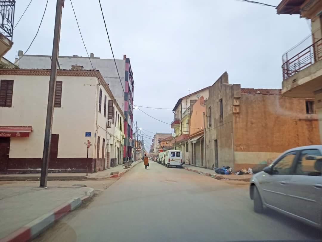 Boufarik : arrestation de six suspects impliqués dans la destruction de véhicules - Algérie