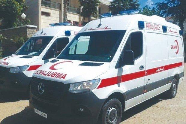 Sétif: le wali procède à la distribution d'ambulances médicalisées - Algérie