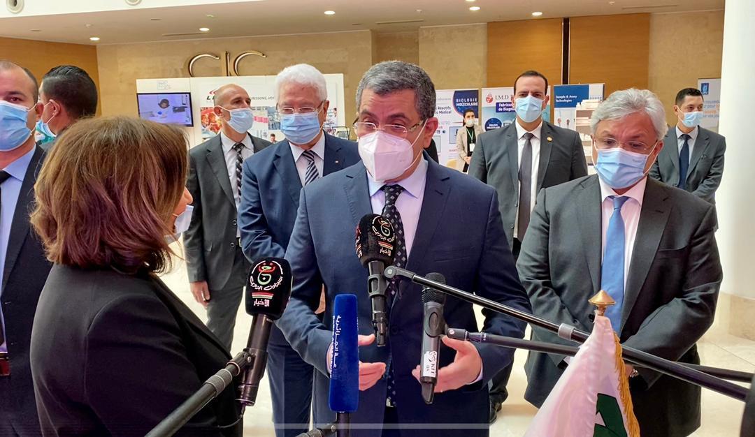 Le Gouvernement «déterminé à développer une véritable industrie pharmaceutique», affirme le Premier ministre - Algérie
