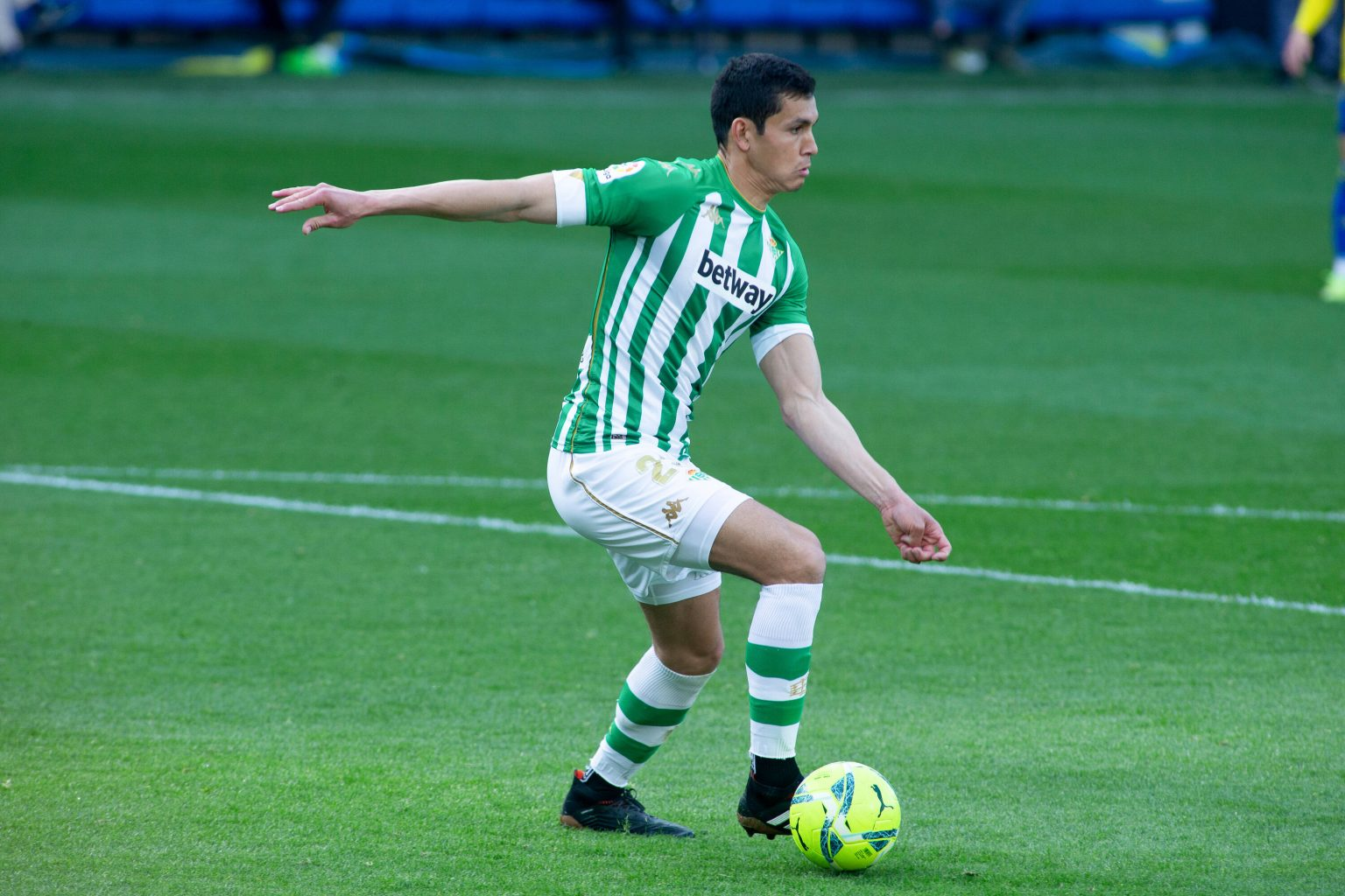 Espagne : Aïssa Mandi finalement 4 ans à Villarreal ? - Algérie