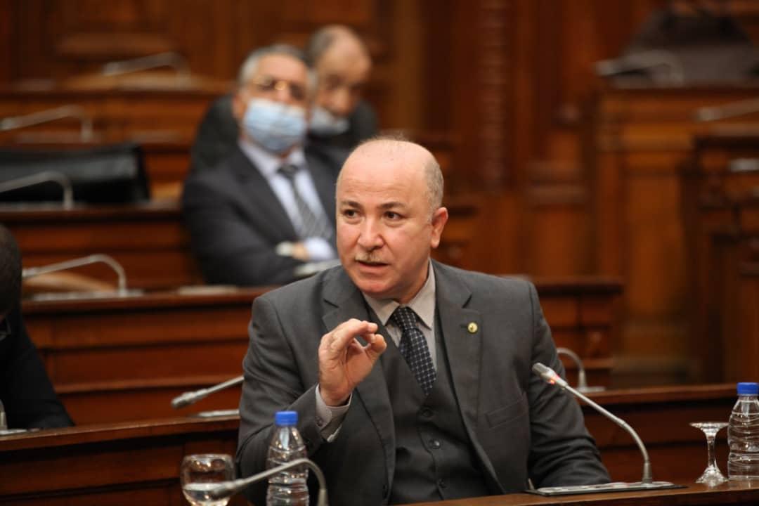 Le ministre des Finances promet un mois de ramadan sans crise de liquidités - Algérie