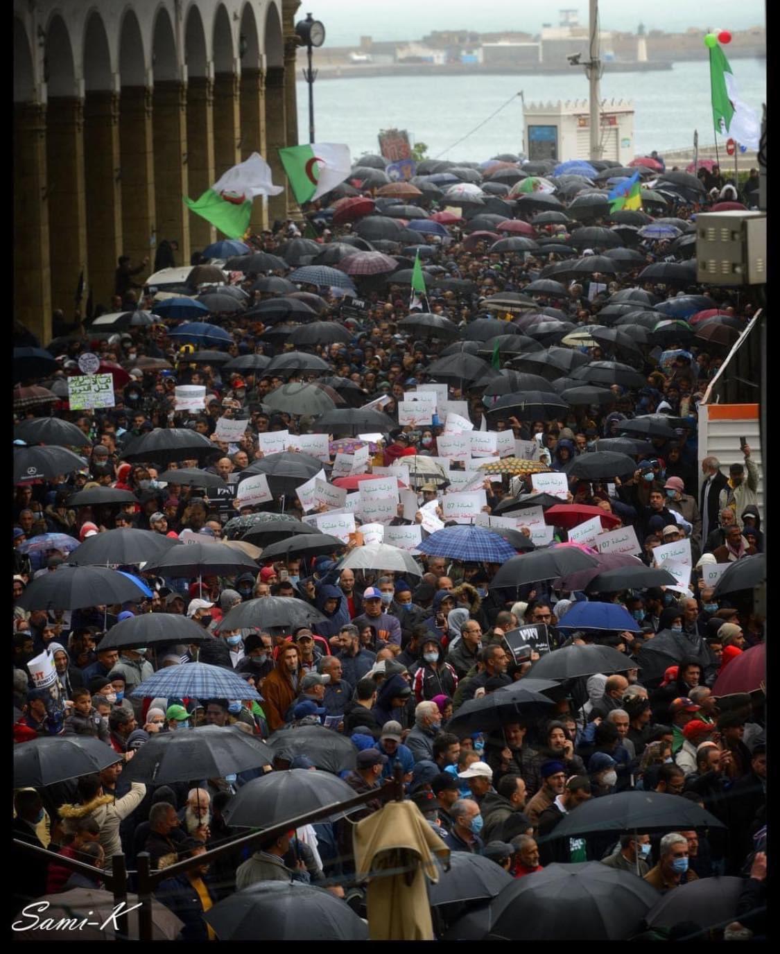 113ème vendredi du Hirak : Malgré le mauvais temps et le Ramadan, la mobilisation au rendez-vous - Algérie