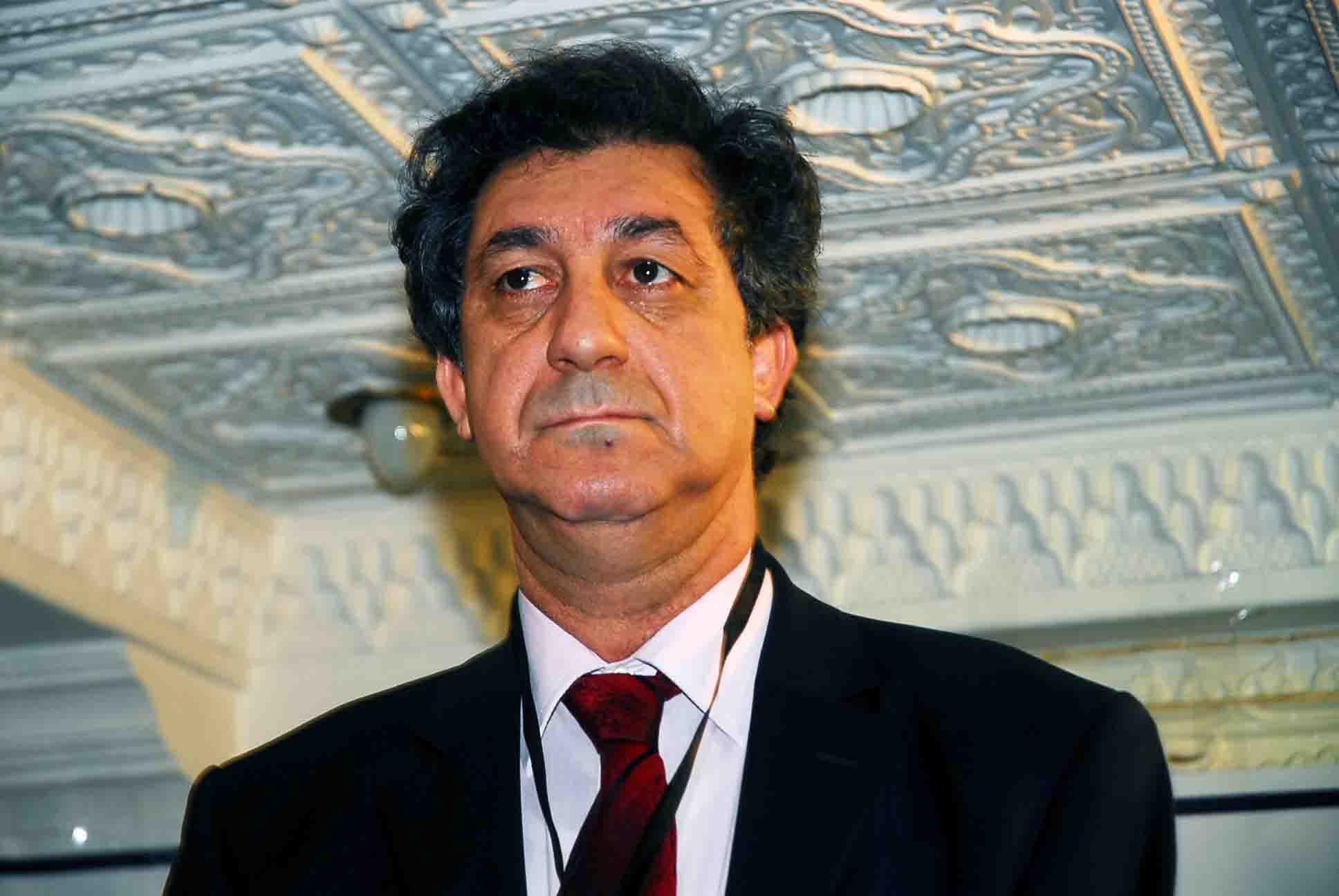 Noureddine Benissad. Président de la Ligue algérienne de défense des droits de l'homme : «Nous ne sommes pas en guerre, les institutions du pays doivent respecter la loi» - Algérie