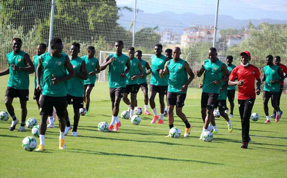 AFR: Le Togo surprend la Guinée - Algérie