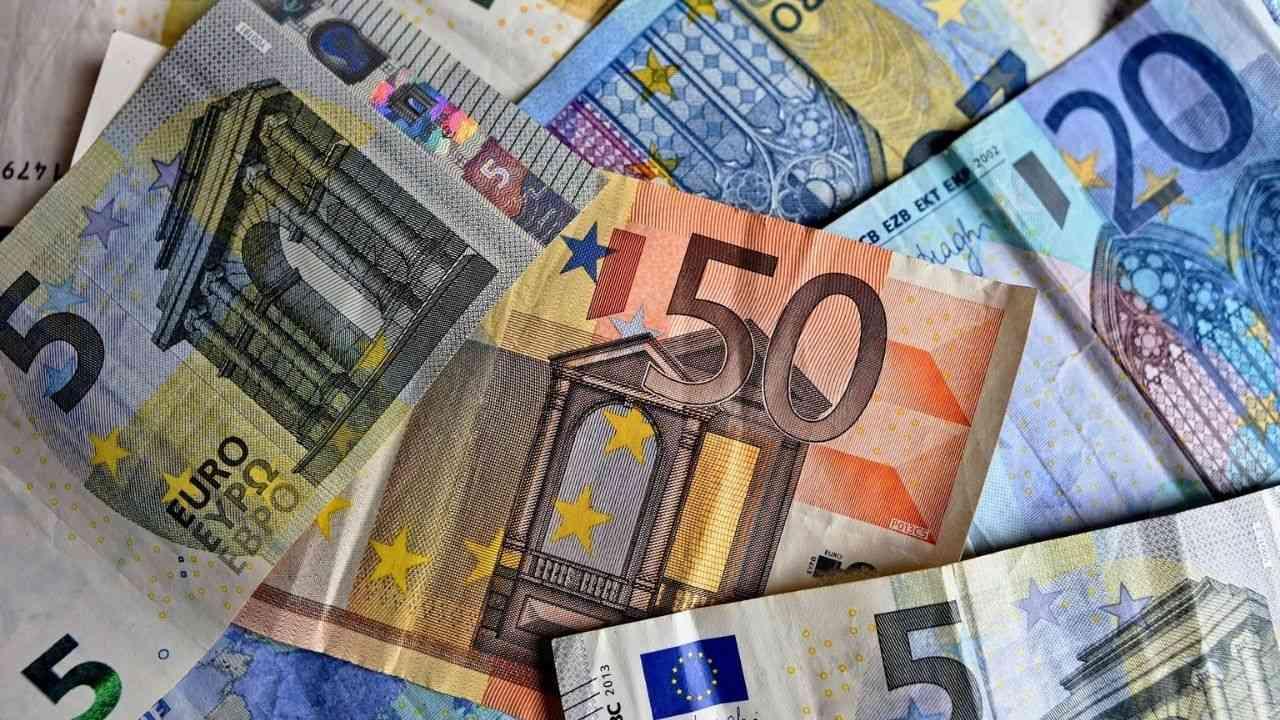 Algérie : taux de change du dinar face à l'euro ce 24 août (devises) - Algérie