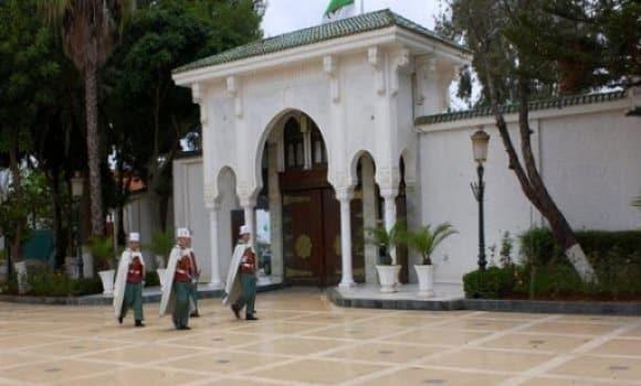 الرئيس تبون يعزي عائلاتي ورفقاء الشهيدين مباركي سعد الدين و قايد عيشوش عبد الحق - الجزائر