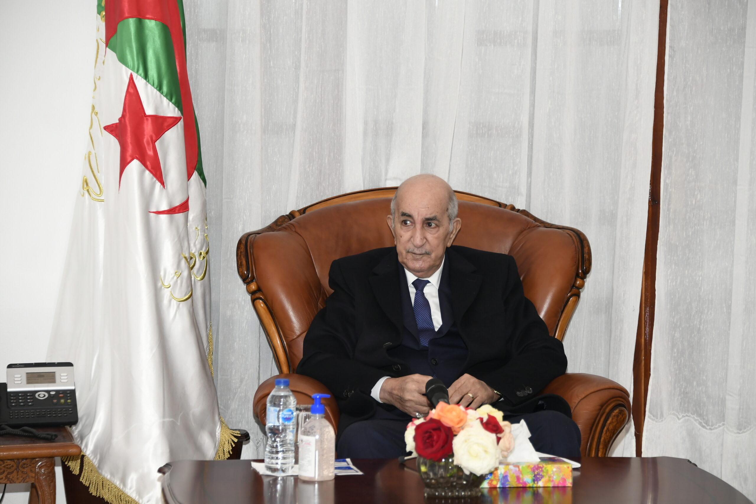 الرئيس تبون يعزي عائلتي الرقيب مباركي سعد الدين والعريف الأول قايد عيشوش عبد الحق اثر استشهادهما - الجزائر