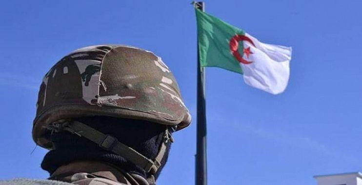 """مجلة الجيش:من يراهنون على تفكيك رابطة """"جيش-أمة""""هم في الواقع جهلة بواقع الجزائر وبحقيقة شعبها - الجزائر"""