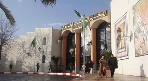 في قضية الحاويات المطمورة.. البراءة لرئيس بلدية سطيف السابق - الجزائر