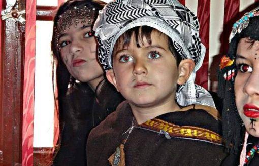 البرنوس,القشابية..20 صورة للبراعم الشاوية الأحرار باللباس التقليدي الجزائري بباتنة